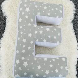 Възглавница-буква Е - сиви звезди